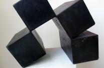 Würfelspaltung 1-10, 2010. Eisen brüniert, 30 x 28 x 20 cm.